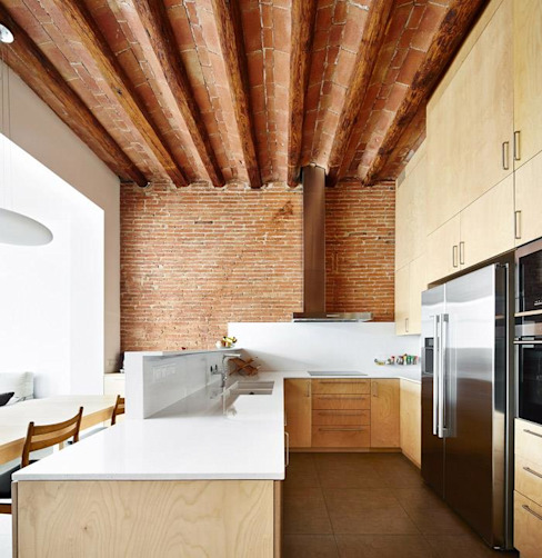Minimalist kitchen by Vallribera Arquitectes Minimalist
