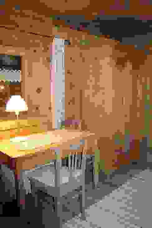 Rustikale Schlafzimmer von Studio Zazzi Rustikal
