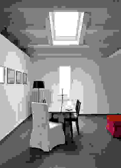 Case Bordone Sala da pranzo in stile mediterraneo di Maria Eliana Madonia Architetto Mediterraneo