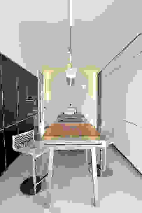 Casa GM Cucina moderna di Maria Eliana Madonia Architetto Moderno