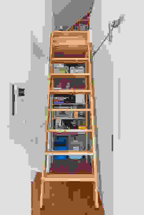 OBBA Коридор, прихожая и лестница в модерн стиле
