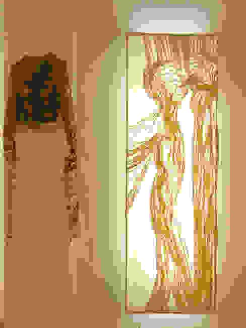 """Wandleuchte """"Kuss"""":  Wohnzimmer von MAWIF Textil-Werk-Statt,"""
