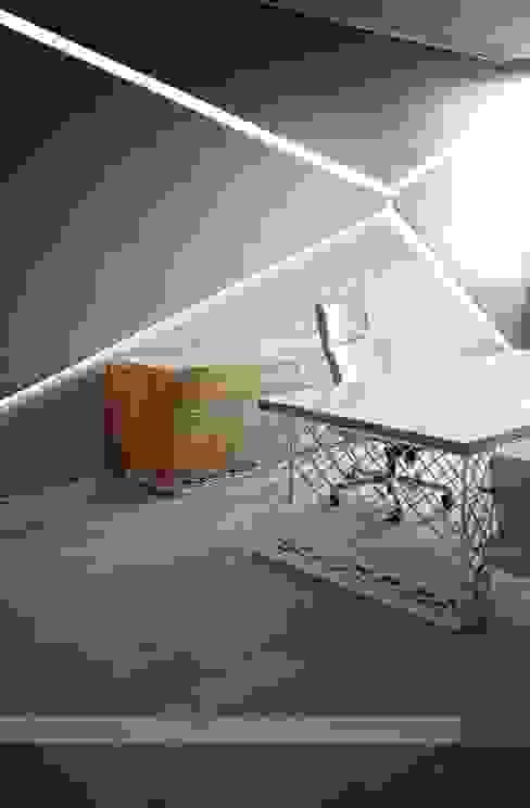 Projekty,  Domowe biuro i gabinet zaprojektowane przez HePe Design interiors, Nowoczesny