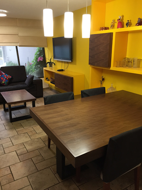 Teorema Arquitectura Eclectic style dining room Wood Yellow