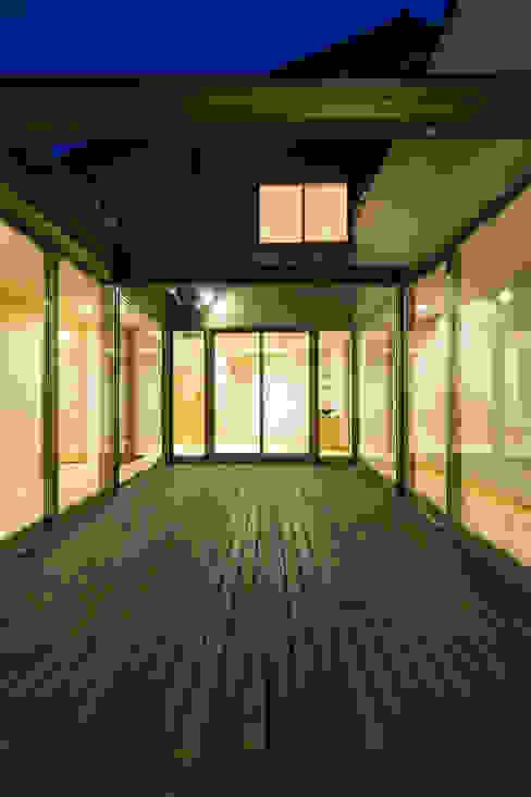 郊外の家 オリジナルな 家 の 有限会社 宮本建築アトリエ オリジナル