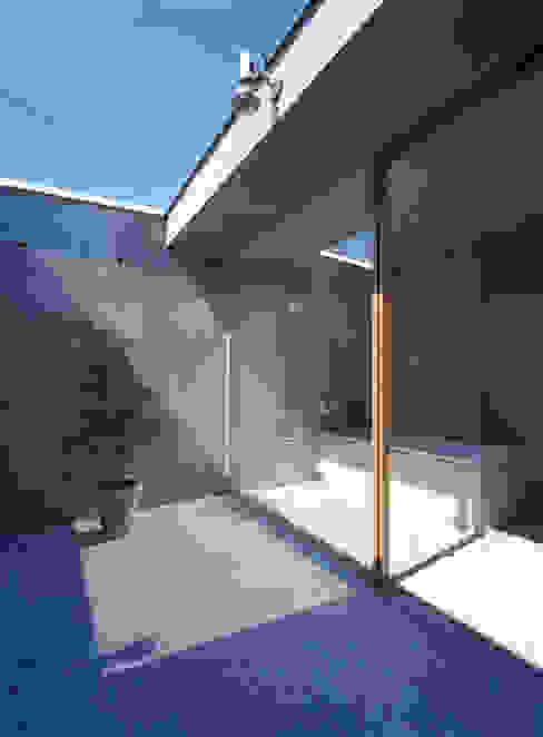 下小鳥の家 モダンスタイルの お風呂 の 桐山和広建築設計事務所 モダン
