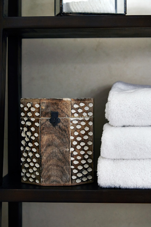 homify BathroomTextiles & accessories
