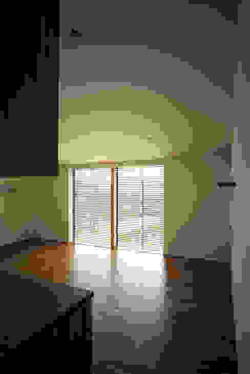 桐山和広建築設計事務所의  아이방, 모던