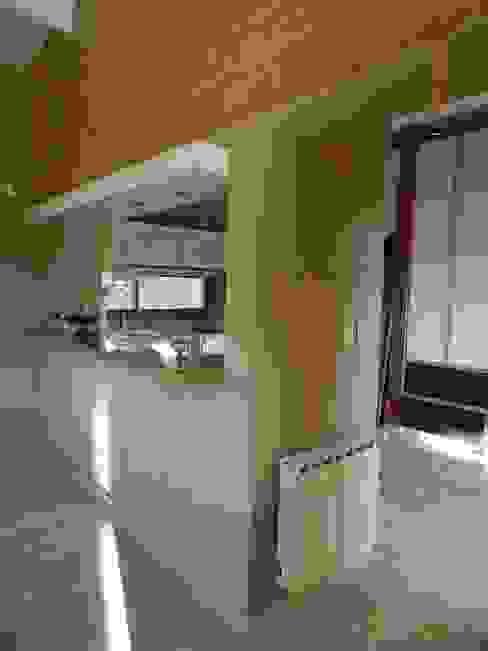 Modern kitchen by ART quitectura + diseño de Interiores. ARQ SCHIAVI VALERIA Modern