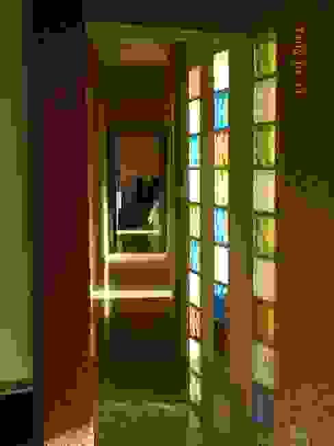 Nowoczesny korytarz, przedpokój i schody od ART quitectura + diseño de Interiores. ARQ SCHIAVI VALERIA Nowoczesny