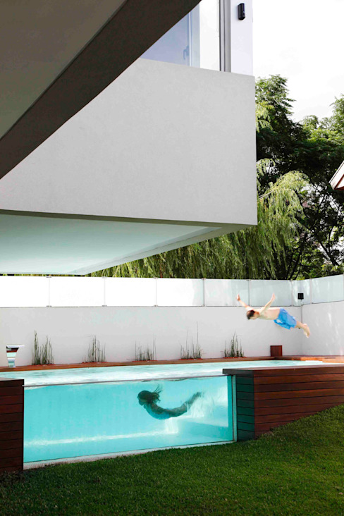 Pool by Remy Arquitectos, Modern