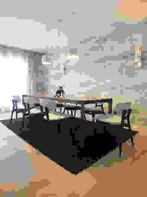 Apartamento de vacaciones en Sanxenxo, Galicia. Comedores de estilo moderno de Oito Interiores Moderno