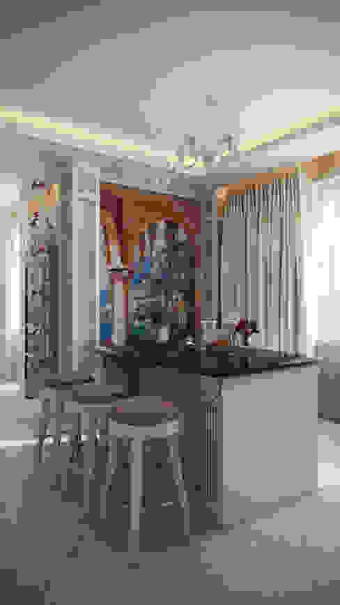 Четырехкомнатная квартира в классическом стиле Кухня в классическом стиле от Details, design studio Классический