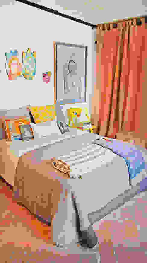 Phòng ngủ phong cách hiện đại bởi Juan Carlos Loyo Arquitectura Hiện đại
