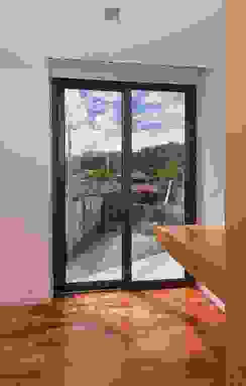 Moderne slaapkamers van 136F - Arquitectos Modern