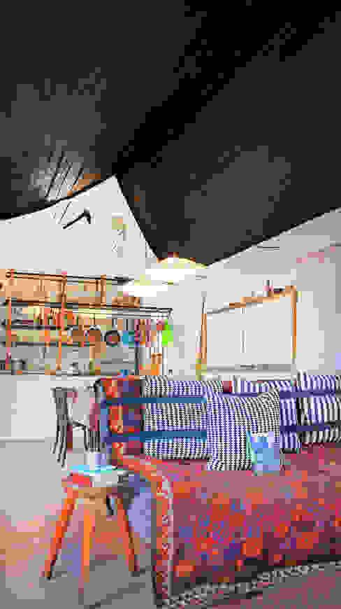 现代客厅設計點子、靈感 & 圖片 根據 Juan Carlos Loyo Arquitectura 現代風