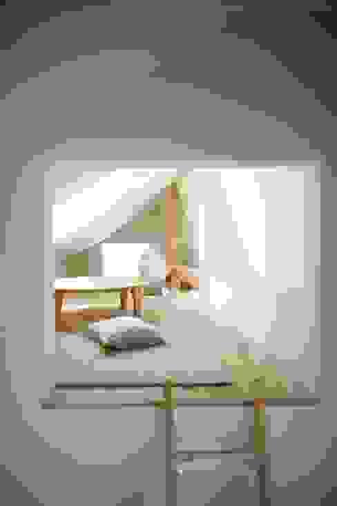 House in Setagaya โดย シキナミカズヤ建築研究所 โมเดิร์น