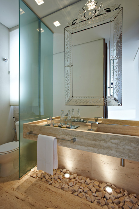 Baños de estilo moderno de Márcia Carvalhaes Arquitetura LTDA. Moderno