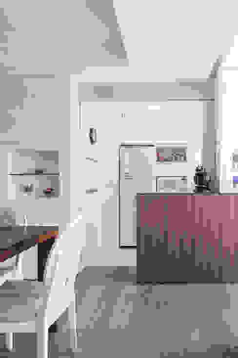 Cucina minimalista di homify Minimalista MDF