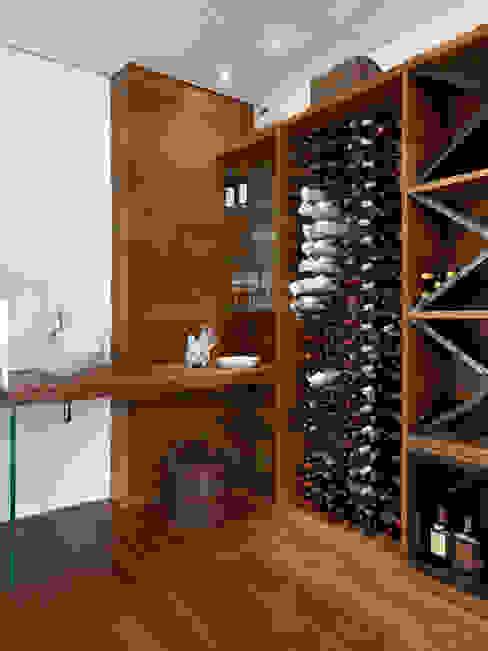 Márcia Carvalhaes Arquitetura LTDA. Wine cellar