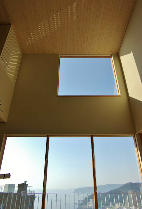 Modern windows & doors by 川口孝男建築設計事務所 Modern Wood Wood effect