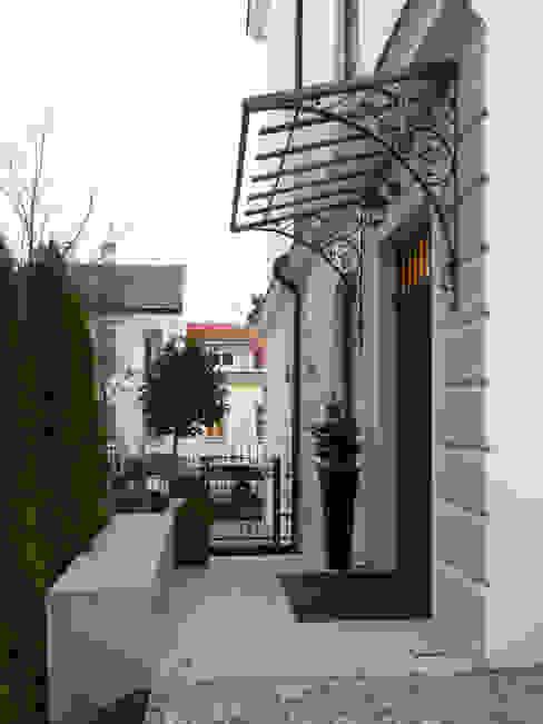 Classic style houses by Mayr & Glatzl Innenarchitektur Gmbh Classic