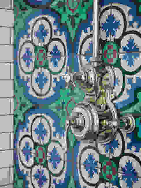 Victorian Terrace House, South-West London Kamar Mandi Gaya Mediteran Oleh Drummonds Bathrooms Mediteran