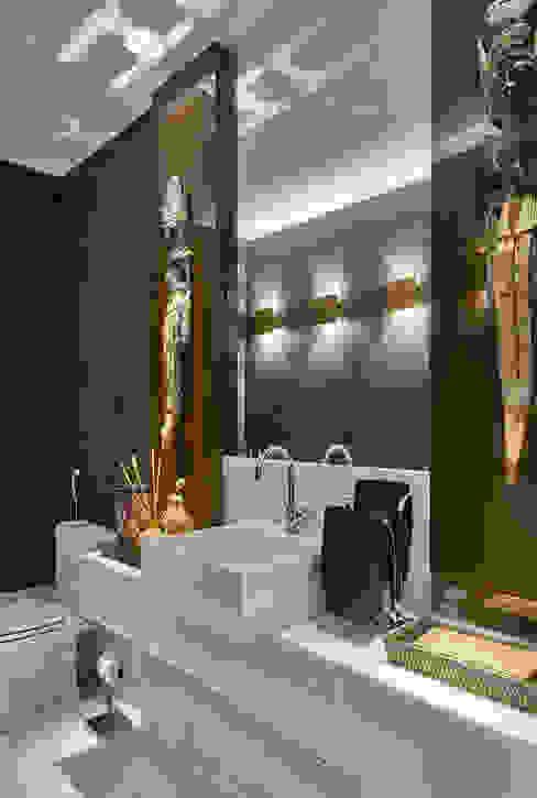 Ванные комнаты в . Автор – Isabela Canaan Arquitetos e Associados,