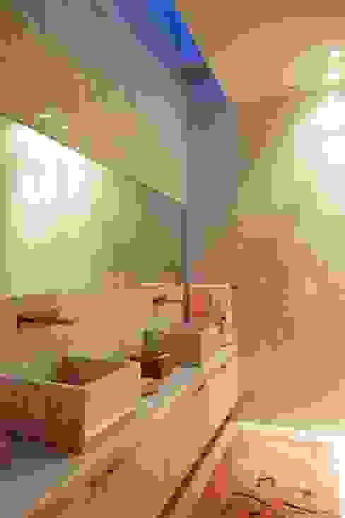 Casa de Palmar | 2009: Casas de banho  por Susana Camelo,