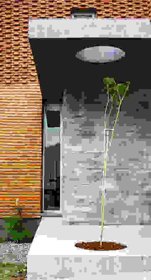 Vivienda Unifamiliar : Casas de estilo  por AGUIRRE+VAZQUEZ