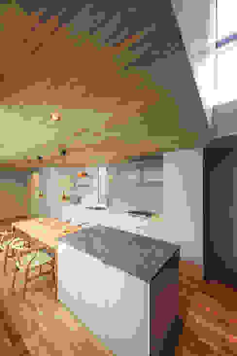黒川の家 モダンな キッチン の Nobuyoshi Hayashi モダン