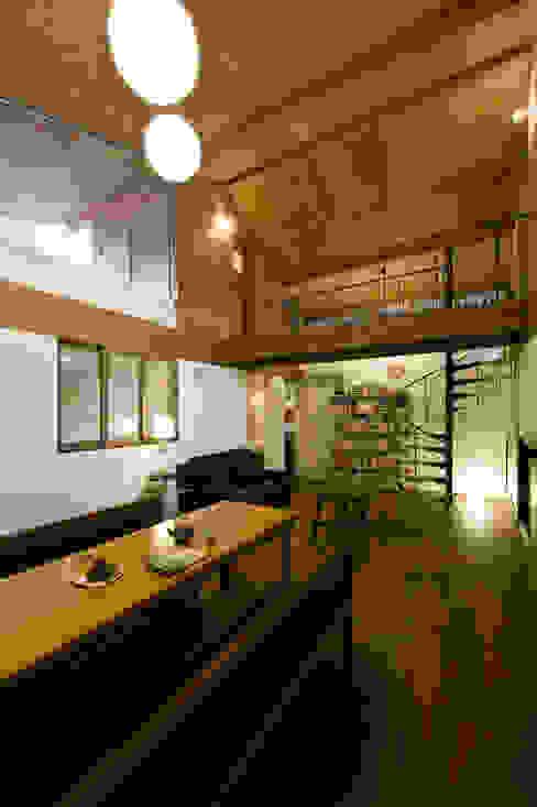 غرفة السفرة تنفيذ Nobuyoshi Hayashi
