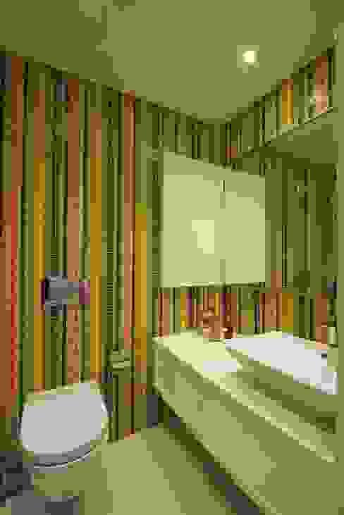 AA Apartment Modern bathroom by Atelier Design N Domain Modern