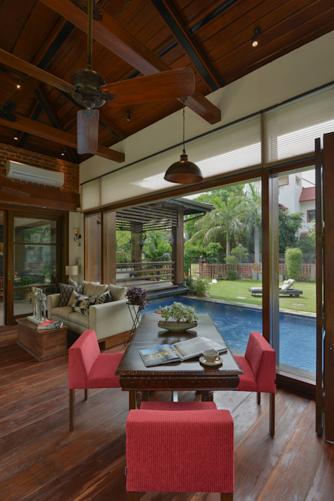 Chattarpur Farmhouse New Delhi monica khanna designs Sala de jantarMesas