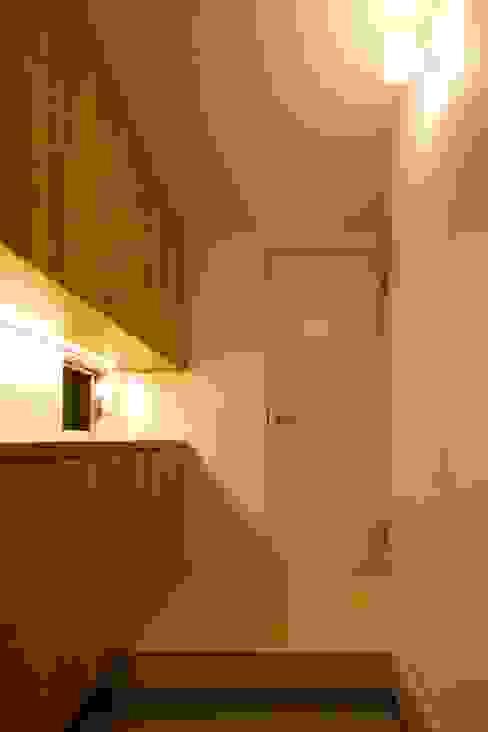 玄関 オリジナルスタイルの 玄関&廊下&階段 の 田原泰浩建築設計事務所 オリジナル