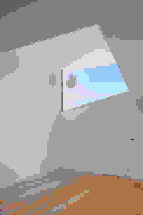 Flur & Diele von JPS Atelier - Arquitectura, Design e Engenharia, Modern