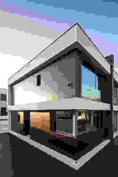Casas modernas: Ideas, imágenes y decoración de JPS Atelier - Arquitectura, Design e Engenharia Moderno