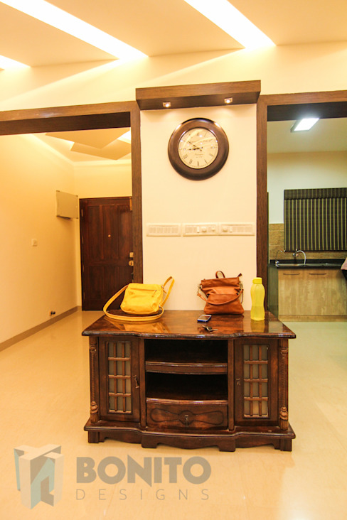 Hallway storage design Asian style corridor, hallway & stairs by homify Asian