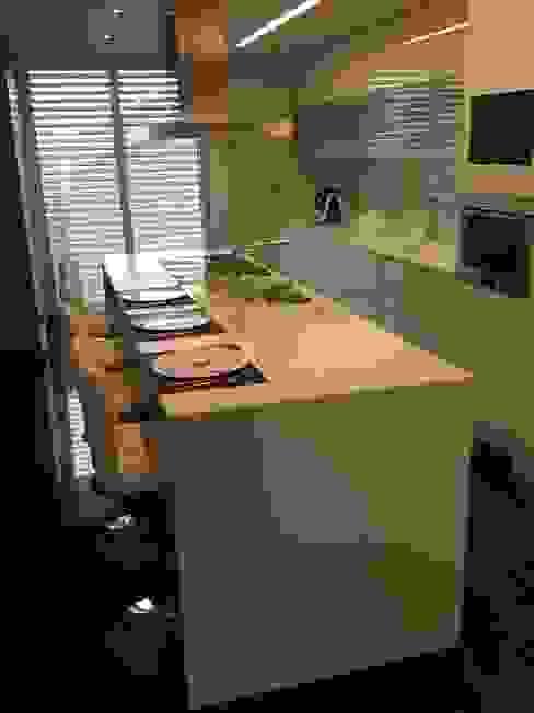 Cocinas de estilo moderno de 3L, Arquitectura e Remodelação de Interiores, Lda Moderno