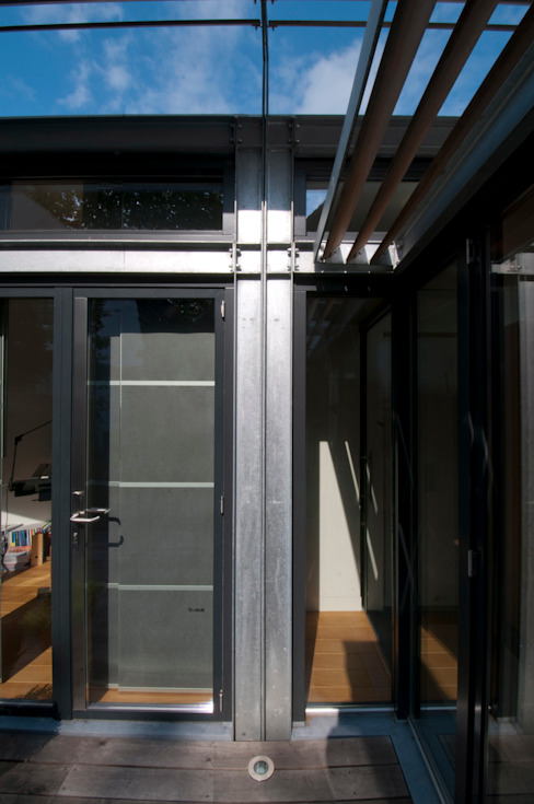 detail gevel werkkamer Moderne huizen van JANICKI ARCHITECT Modern Metaal