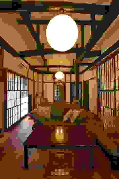 Salas de estilo  por ISO設計室, Asiático