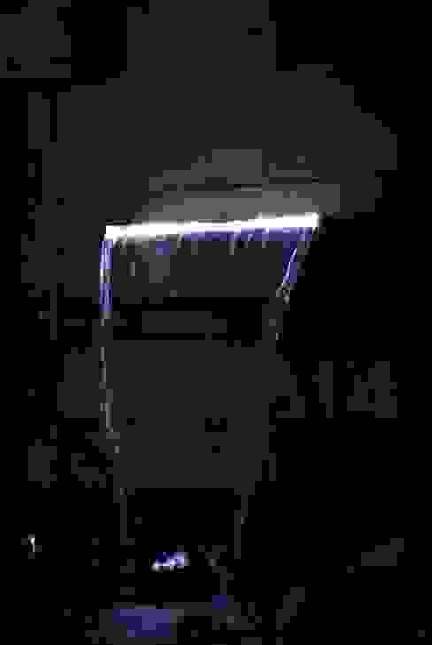 Fontaine du bassin avec éclairage intégré par Taffin Moderne