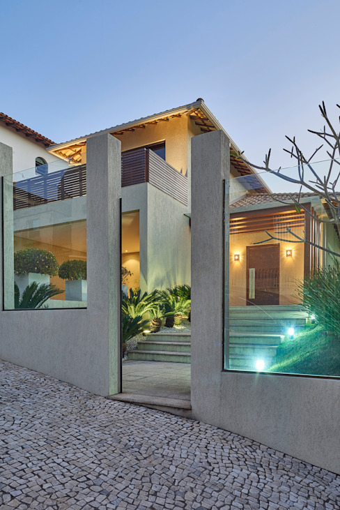 Projekty,  Domy zaprojektowane przez Isabela Canaan Arquitetos e Associados, Nowoczesny