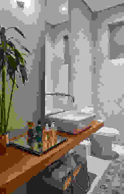 ห้องน้ำ by Isabela Canaan Arquitetos e Associados