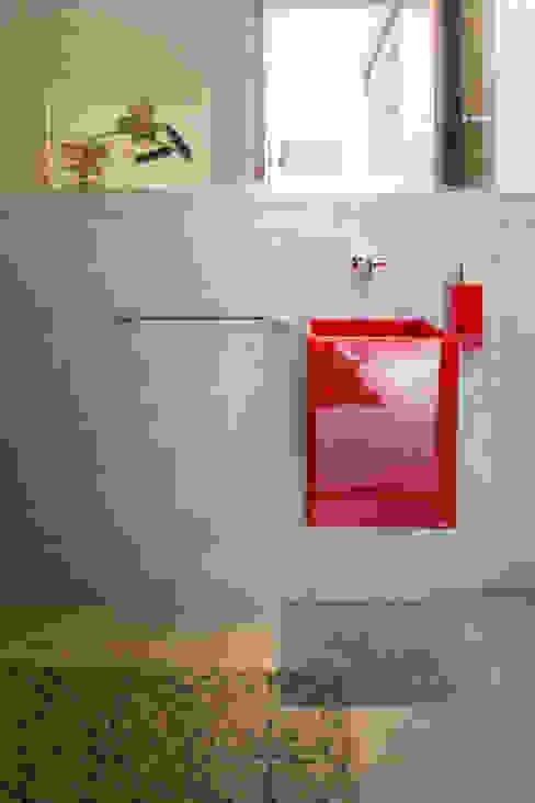 Casa Malva, Bloco Arquitetos Banheiros modernos por homify Moderno