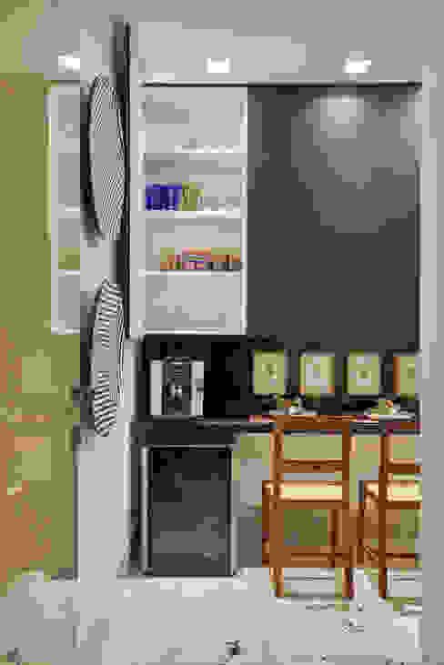 Apartamento ME Cozinhas modernas por Isabela Canaan Arquitetos e Associados Moderno