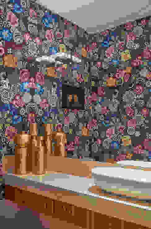 Apartamento ME Banheiros modernos por Isabela Canaan Arquitetos e Associados Moderno