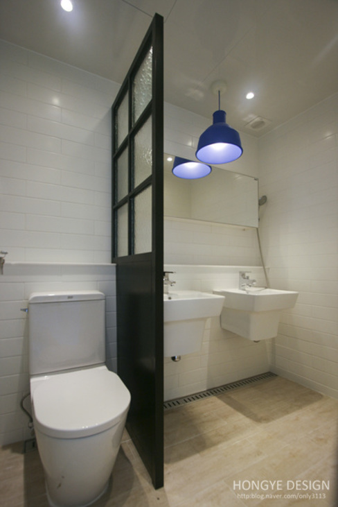 아파트 발코니에 아이들의 물놀이장을 _ 33py 스칸디나비아 욕실 by 홍예디자인 북유럽