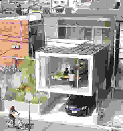 ミラボと実家 /a couples working studio & their parents home: 3--labが手掛けた家です。,モダン