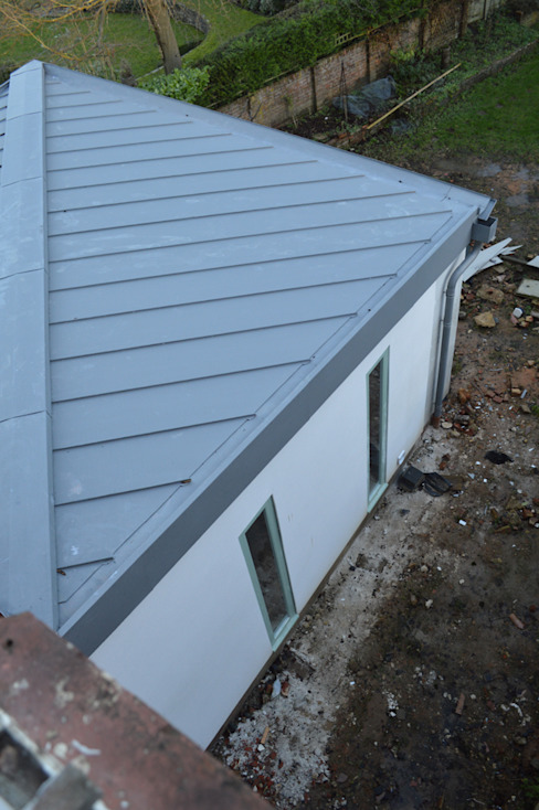 Butterfly Zinc-clad Roofs for the New Extension Modern houses by ArchitectureLIVE Modern Aluminium/Zinc
